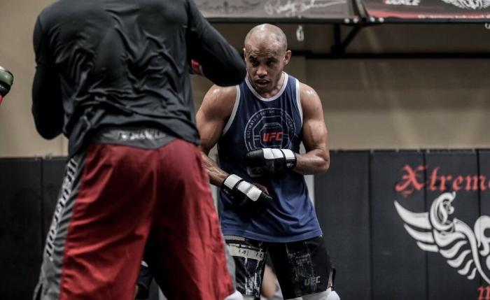 Dana White připustil, že svého šampiona z lehké váhy uvolní