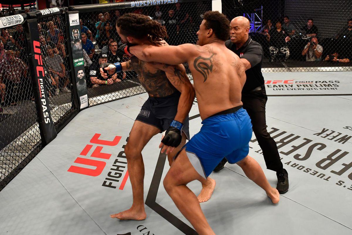 Greg Hardy ještě není připraven na UFC