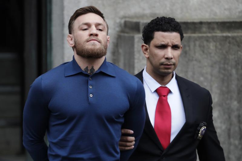 Conor McGregor odchází od soudu