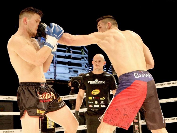 Vasil Ducár zkouší MMA