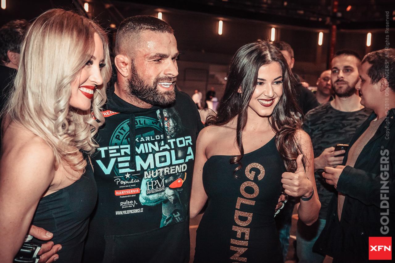 Vémola Karlos vs. Ragozin Mikhail v MMA zápase v Rusku